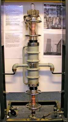 80 KW slutrör från sändaren monterad på Radiomuseet av Lennart Nilsson Bild: Lars Lindskog