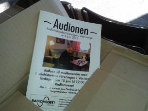 Audionen sticker upp ur sin låda